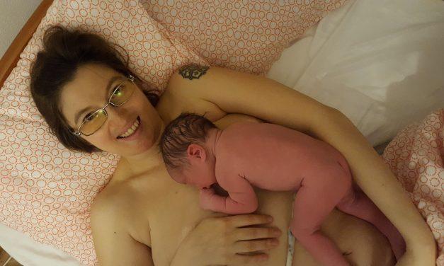 Първи контакт с бебето след раждането
