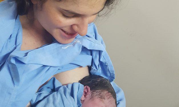Магдалена и бебе Елмира – първото ми раждане в Ла Вита Нова