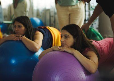 Упражнения с фитбол топки