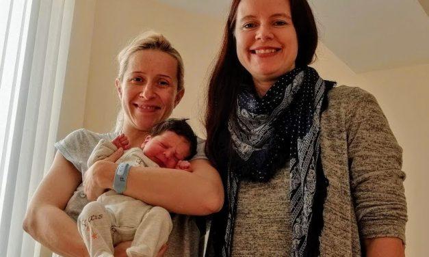 Деси и Калоян – първото бебе на 2020